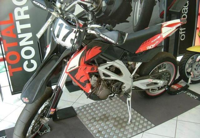 Φωτογραφία για μεταχειρισμένη APRILIA SXV του 2006 στα 4.950 €