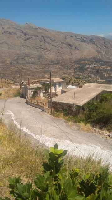 Building ground 850 sq.m - Lambi (Municipality)