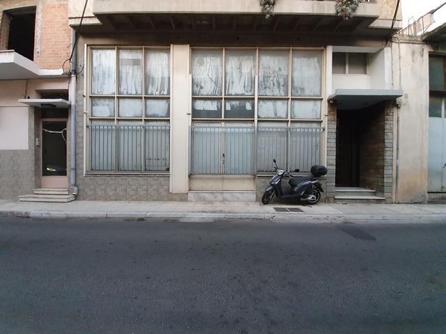 Ενοικίαση επαγγελματικού χώρου Περιστέρι (Τσαλαβούτα) Κατάστημα 143 τ.μ. ανακαινισμένο