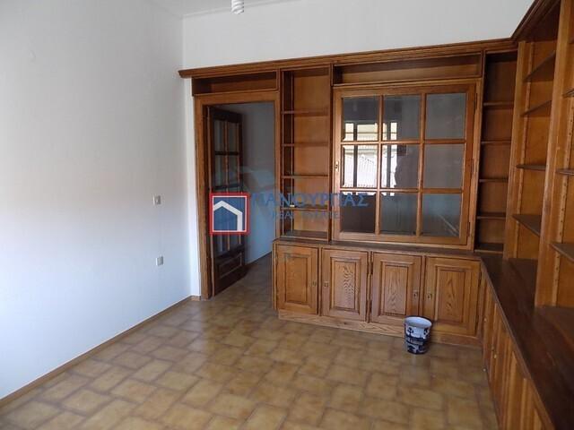 Ενοικίαση επαγγελματικού χώρου Λαμία Γραφείο 32 τ.μ.