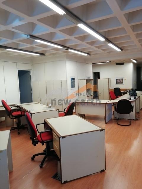 Ενοικίαση επαγγελματικού χώρου Ταύρος Αττικής (Ρουφ) Αίθουσα 250 τ.μ. επιπλωμένο