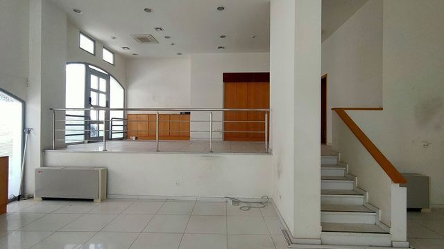 Ενοικίαση επαγγελματικού χώρου Σαλαμίνα Επαγγελματικός χώρος 250 τ.μ.