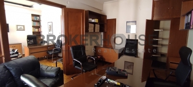Ενοικίαση επαγγελματικού χώρου Αθήνα (Εξάρχεια) Γραφείο 45 τ.μ. επιπλωμένο