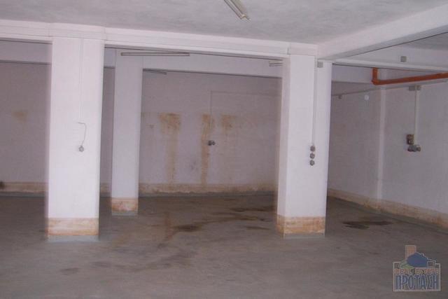 Εικόνα 2 από 6 - Κατάστημα 420 τ.μ. -  Γέρακας -  Κέντρο