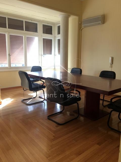 Ενοικίαση επαγγελματικού χώρου Νέα Σμύρνη (Κέντρο) Γραφείο 230 τ.μ.