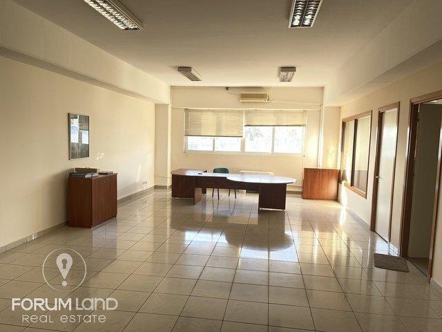Ενοικίαση επαγγελματικού χώρου Πυλαία Γραφείο 500 τ.μ. ανακαινισμένο