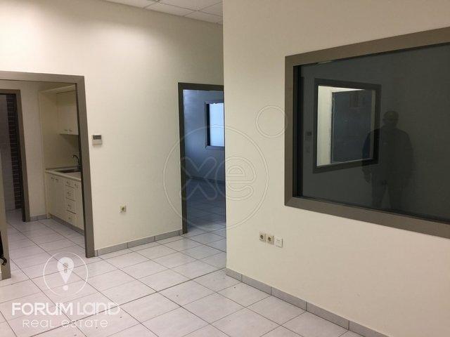 Ενοικίαση επαγγελματικού χώρου Πυλαία Γραφείο 165 τ.μ. ανακαινισμένο