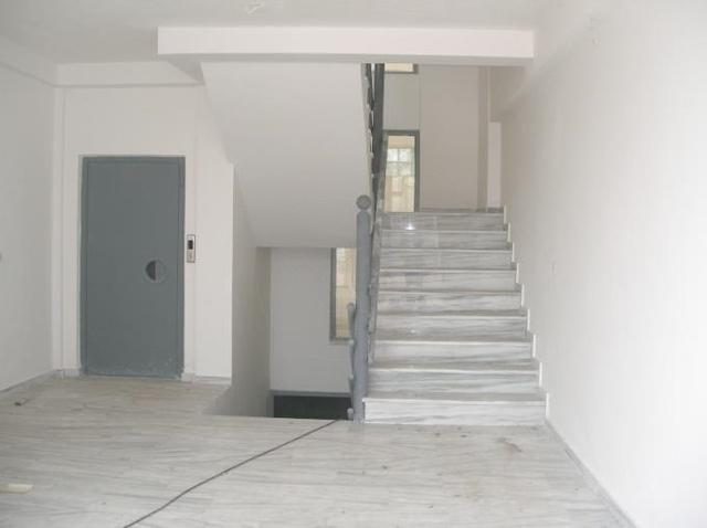 Εικόνα 4 από 12 - Επαγγελματικό κτίριο 2,065 στρ. -  Φούρεσι
