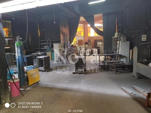 Πώληση επαγγελματικού χώρου Αγία Βαρβάρα (Γ΄Νεκροταφείο Αθηνών) Επαγγελματικός χώρος 1000 τ.μ.