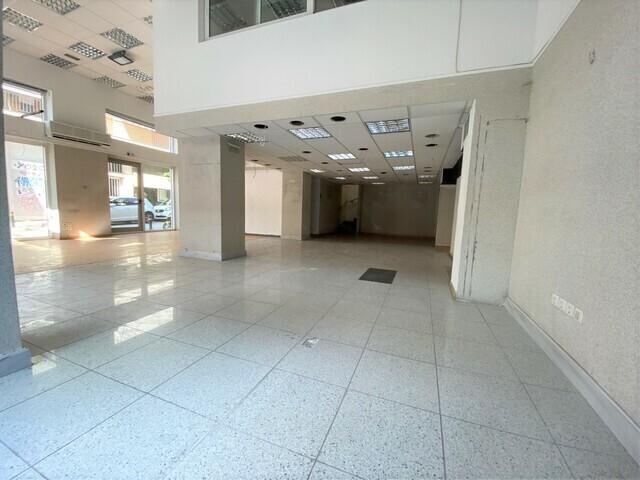 Ενοικίαση επαγγελματικού χώρου Χαλάνδρι (Δημαρχείο) Επαγγελματικός χώρος 300 τ.μ. ανακαινισμένο