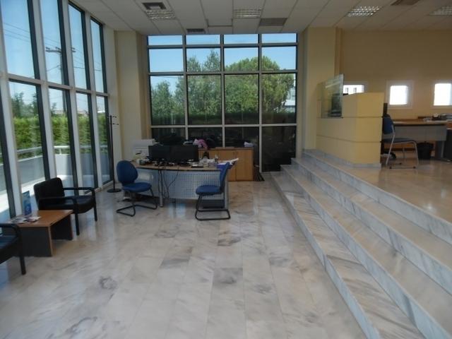 Ενοικίαση επαγγελματικού χώρου Πυλαία Γραφείο 550 τ.μ.