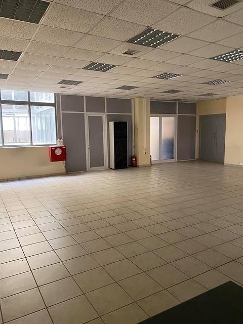 Ενοικίαση επαγγελματικού χώρου Μοσχάτο Αίθουσα 323 τ.μ. ανακαινισμένο