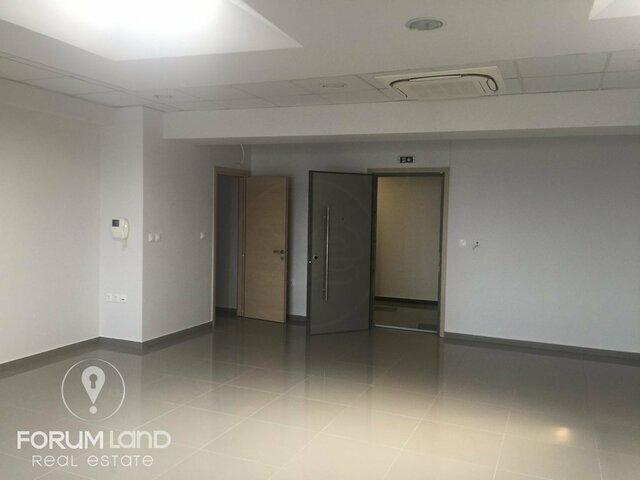 Ενοικίαση επαγγελματικού χώρου Θέρμη Γραφείο 400 τ.μ. ανακαινισμένο