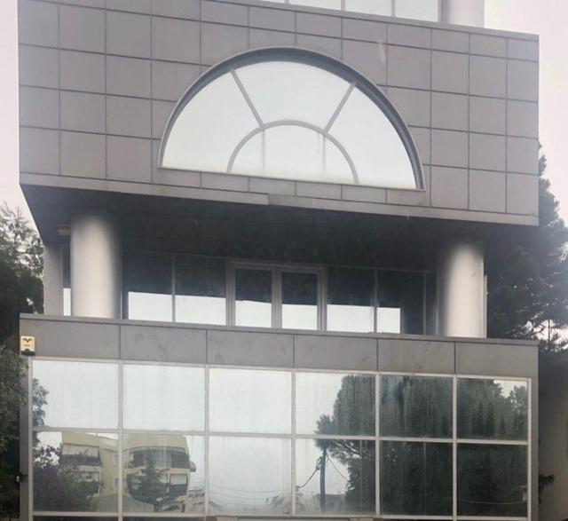 Ενοικίαση επαγγελματικού χώρου Βούλα (Δικηγορικά) Επαγγελματικός χώρος 2300 τ.μ.