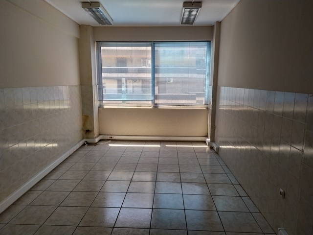 Ενοικίαση επαγγελματικού χώρου Μενεμένη (Αμπελόκηποι) Γραφείο 140 τ.μ. ανακαινισμένο