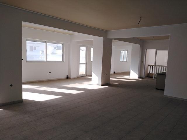 Ενοικίαση επαγγελματικού χώρου Αγρίνιο Γραφείο 140 τ.μ. νεόδμητο