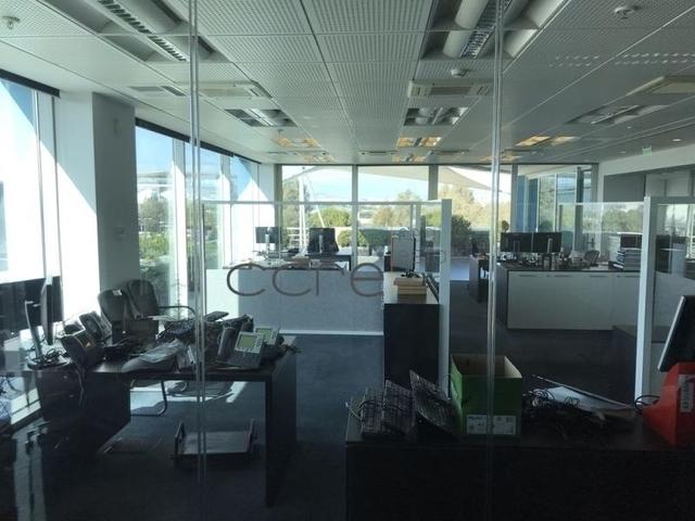 Ενοικίαση επαγγελματικού χώρου Παλαιό Φάληρο (Πλανητάριο) Γραφείο 344 τ.μ. ανακαινισμένο