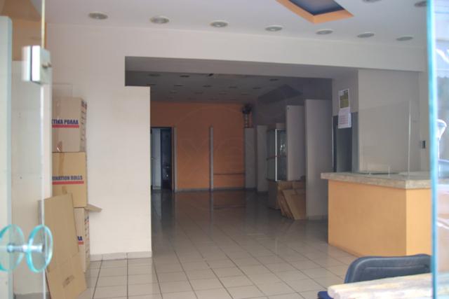 Ενοικίαση επαγγελματικού χώρου Κερατσίνι (Ταμπούρια) Κατάστημα 73 τ.μ. ανακαινισμένο