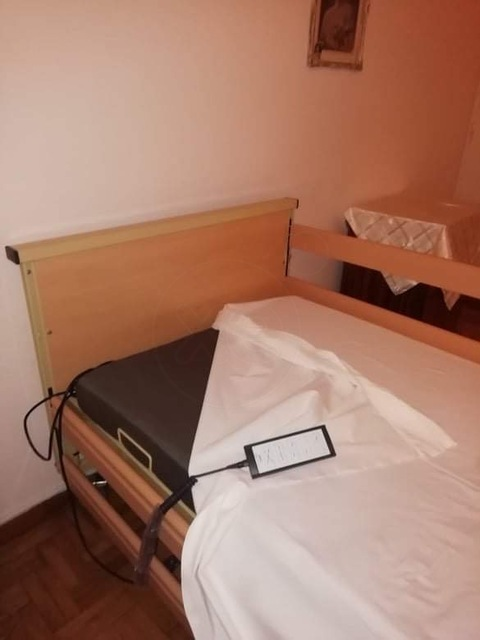 Εικόνα 1 από 4 - Κρεβάτι Ηλεκτρικό πολυαναδιπλούμενο -  Βόρεια & Ανατολικά Προάστια >  Χολαργός