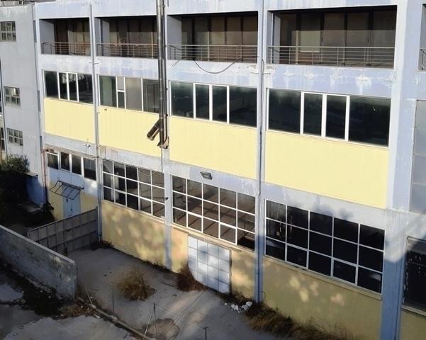 Ενοικίαση επαγγελματικού χώρου Ταύρος Αττικής (Κέντρο) Κτίριο 2777 τ.μ.