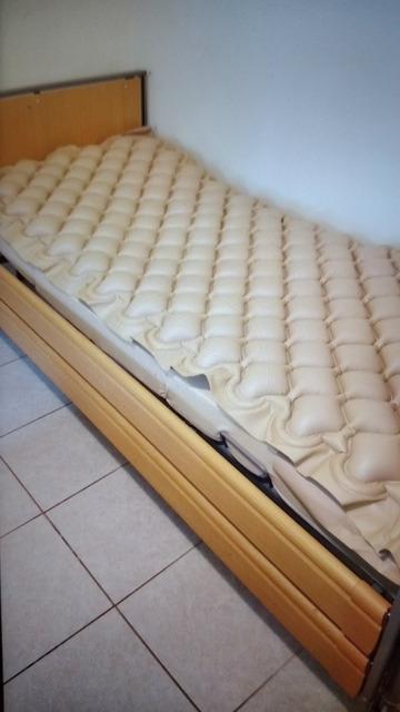 Εικόνα 1 από 3 - Νοσοκομειακό Κρεβάτι -  Κεντρικά & Νότια Προάστια >  Καλλιθέα