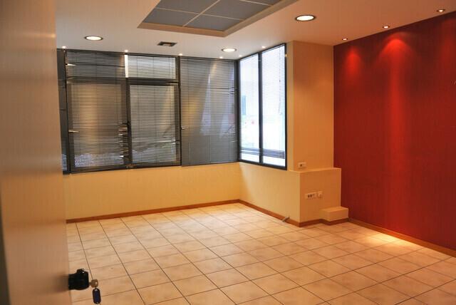 Ενοικίαση επαγγελματικού χώρου Υμηττός (Πλατεία Ηρώων) Γραφείο 100 τ.μ.