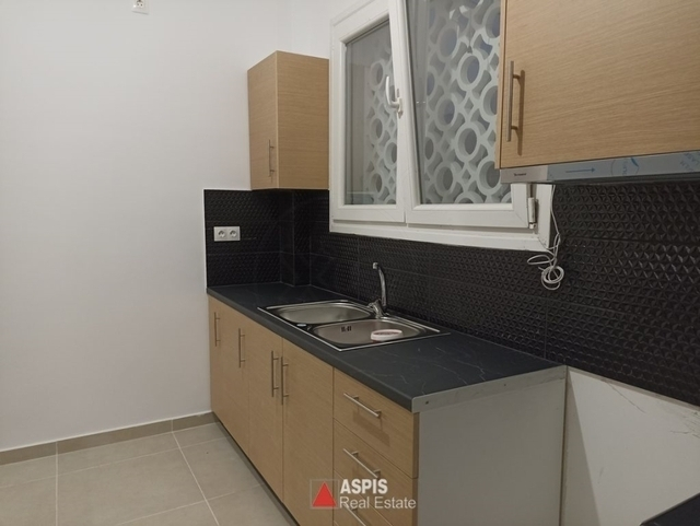 Ενοικίαση επαγγελματικού χώρου Ηλιούπολη (Αγία Μαρίνα) Γραφείο 68 τ.μ. ανακαινισμένο