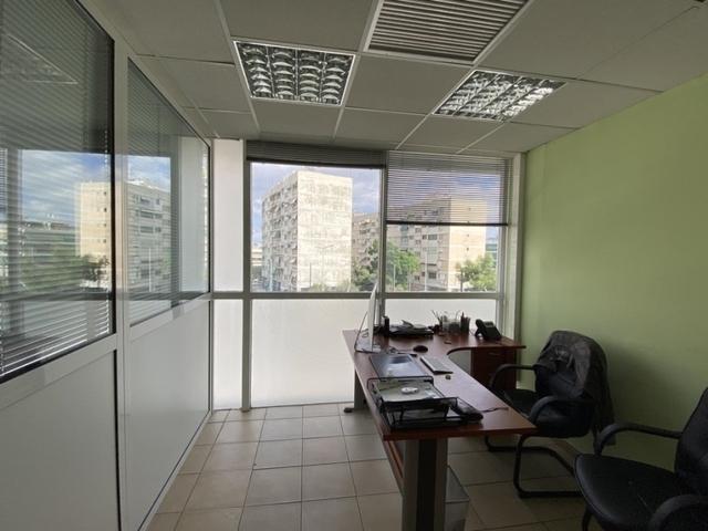 Ενοικίαση επαγγελματικού χώρου Περιστέρι (Κέντρο) Επαγγελματικός χώρος 220 τ.μ.